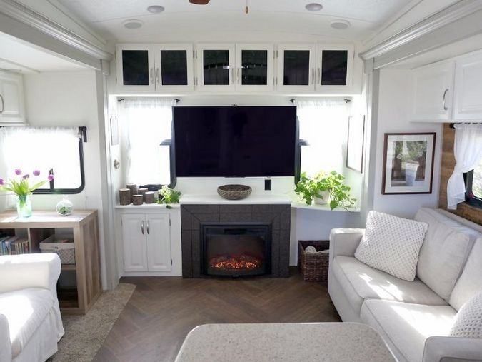 Easy Remodeling RV Decoration You Can Try 37