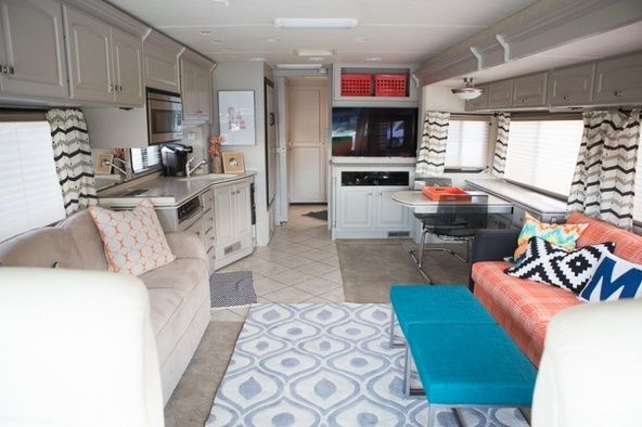 Easy Remodeling RV Decoration You Can Try 38