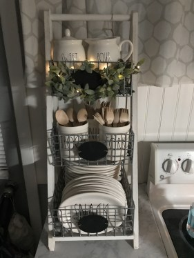 Gorgeous Farmhouse Decoration For RV Makeover 08