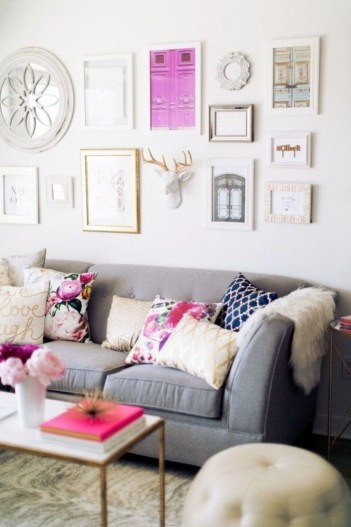 How To Create Wall Gallery In Above The Sofa 08