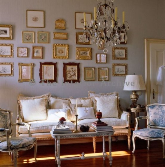 How To Create Wall Gallery In Above The Sofa 34