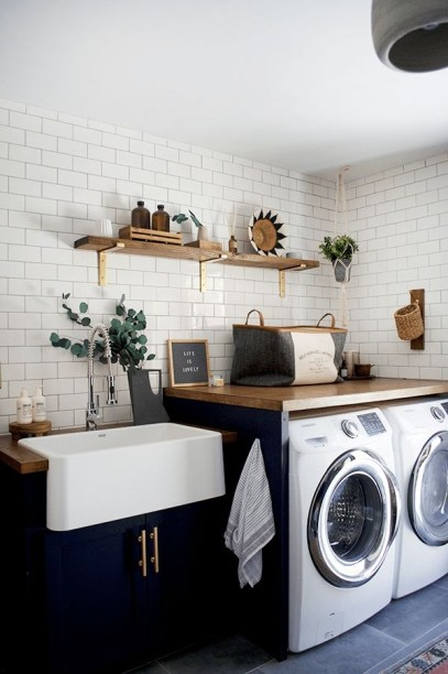 Perfect Laundry Room Decor In Your Tiny House 03