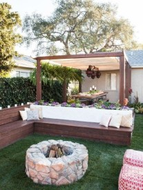 Simply Impressive Sitting Areas For Backyard Landscape 40