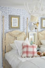 Ways To Create Cozy And Beautiful Teen Farmhouse Bedroom 43