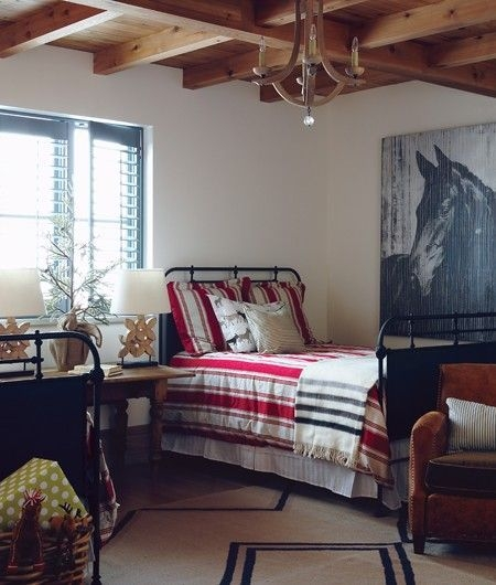 Ways To Create Cozy And Beautiful Teen Farmhouse Bedroom 51
