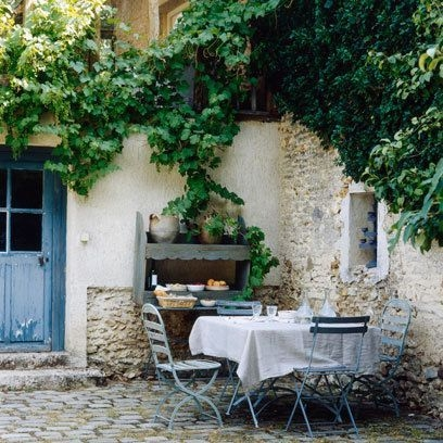 A Cozy Backyard France Terrace Ideas 01