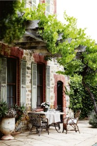 A Cozy Backyard France Terrace Ideas 12
