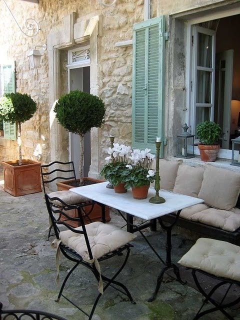 A Cozy Backyard France Terrace Ideas 18