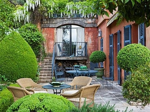 A Cozy Backyard France Terrace Ideas 23