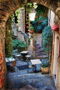 A Cozy Backyard France Terrace Ideas 25