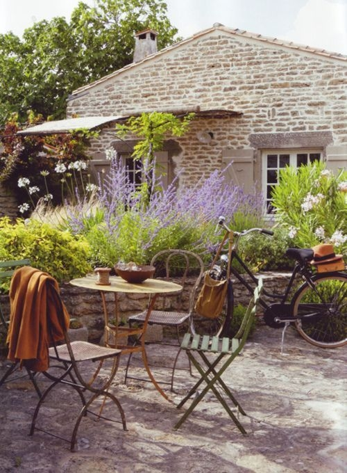 A Cozy Backyard France Terrace Ideas 26