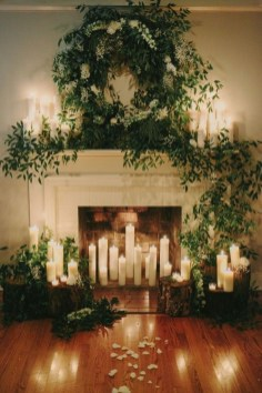 Adorable Winter Wedding Ideas For Decorate Your Party 14