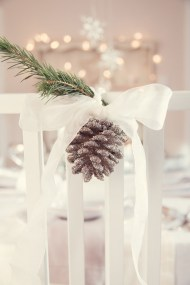 Adorable Winter Wedding Ideas For Decorate Your Party 17