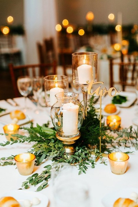 Adorable Winter Wedding Ideas For Decorate Your Party 38