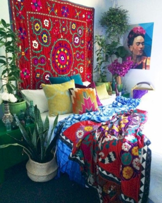 Awesome Boho Decorating Ideas For Your Bedroom 05