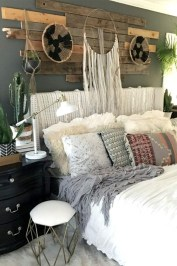 Awesome Boho Decorating Ideas For Your Bedroom 23