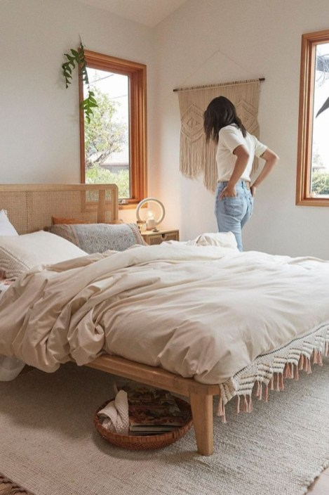 Awesome Boho Decorating Ideas For Your Bedroom 36