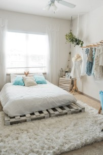 Awesome Boho Decorating Ideas For Your Bedroom 37