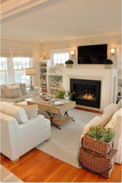 Best Decorating Ideas For Winter Fireplace 08