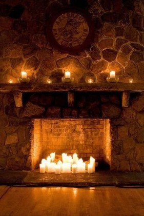 Best Decorating Ideas For Winter Fireplace 36