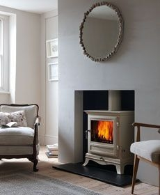 Best Decorating Ideas For Winter Fireplace 37