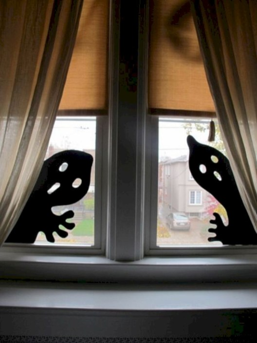 Best Ghost Silhouette DecorIideas To Haunt Your Guests 09