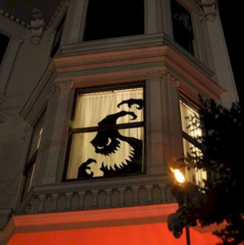 Best Ghost Silhouette DecorIideas To Haunt Your Guests 35