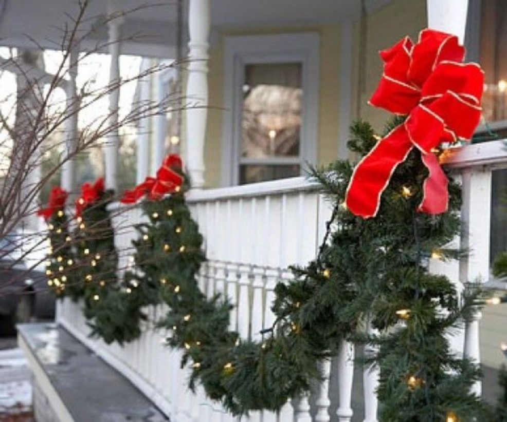 Classic Christmas Decoration You Must Try For Your Family 07