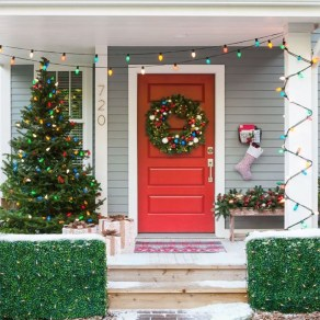 Classic Christmas Decoration You Must Try For Your Family 09