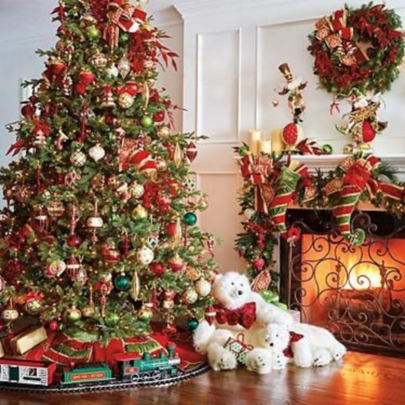 Classic Christmas Decoration You Must Try For Your Family 31