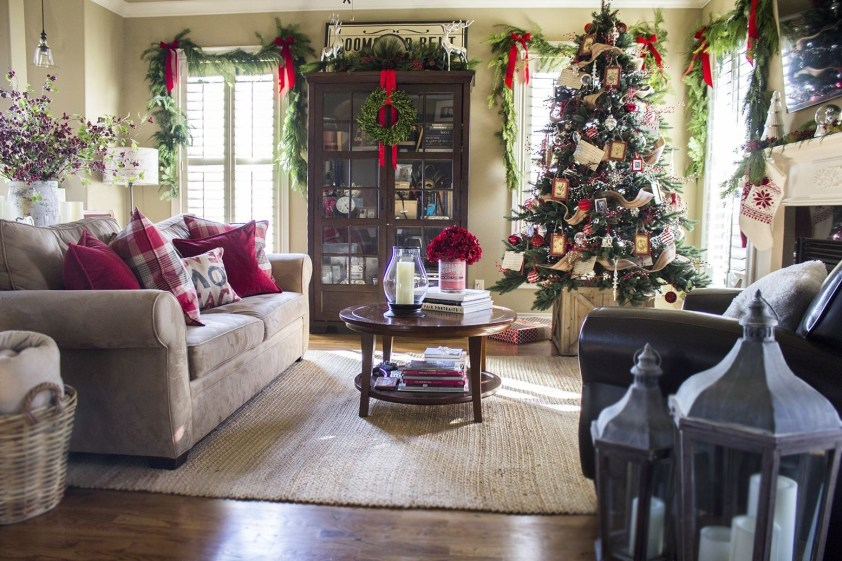 Classic Christmas Decoration You Must Try For Your Family 37