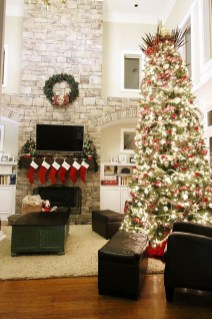 Classic Christmas Decoration You Must Try For Your Family 48