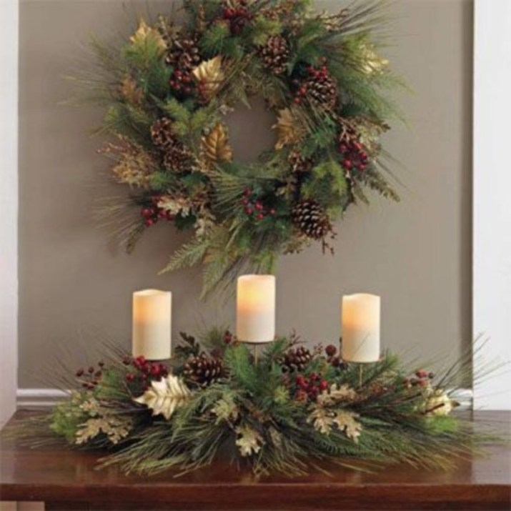 Classic Christmas Decoration You Must Try For Your Family 49