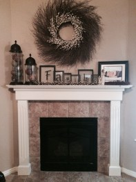 Favorite Winter Decorating For Fireplace Ideas 03