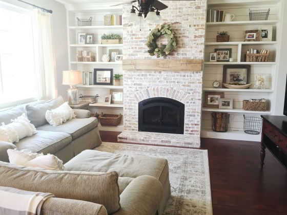 Favorite Winter Decorating For Fireplace Ideas 20