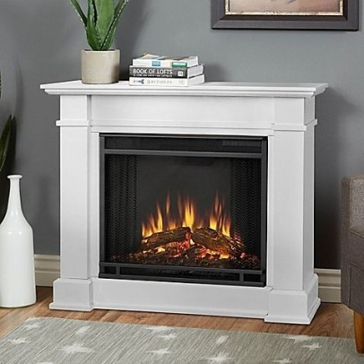 Favorite Winter Decorating For Fireplace Ideas 24