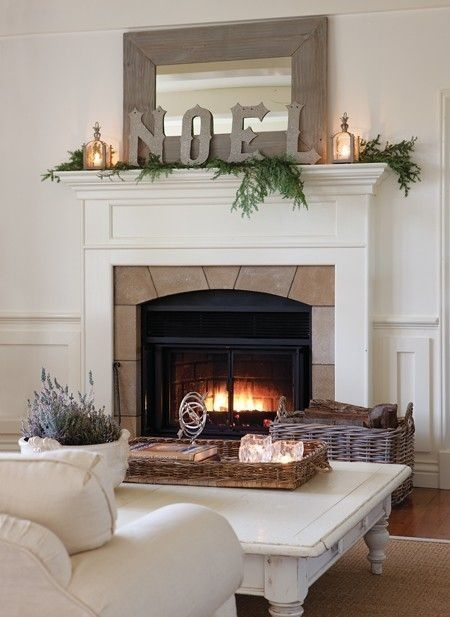 Favorite Winter Decorating For Fireplace Ideas 41