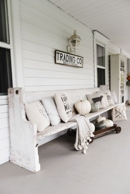 Front Porch Decorating Ideas Try For Your Design 34