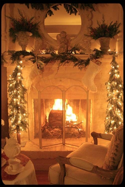Gorgeous Christmas Mantel For Fireplace Decorate In Your House 37