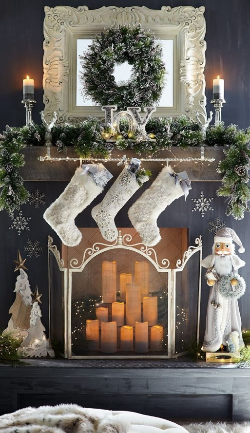 Gorgeous Christmas Mantel For Fireplace Decorate In Your House 44