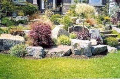 Lovely Landscaping Plans For Your Own Yard 32
