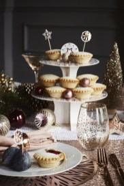 Luxury Christmas Table Decoration For Celebrating Christmas This Year 01