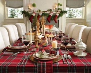 Luxury Christmas Table Decoration For Celebrating Christmas This Year 26