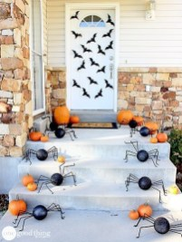 Perfect Pumpkin Ideas To Decorate Your Porch 32