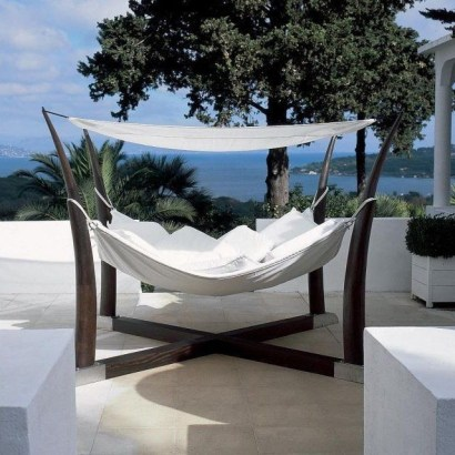 Relaxing Suspended Outdoor Beds That Will Transform Your Year 42