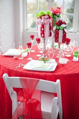 Tips To Make DIY Christmas Table Decorations 07