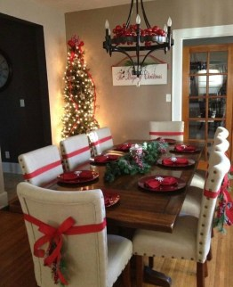 Tips To Make DIY Christmas Table Decorations 10
