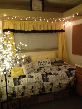 Ways To Use Christmas Light In Your Room 06