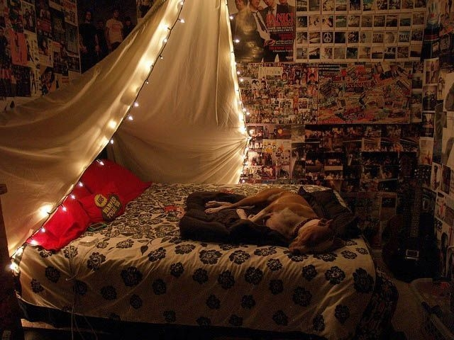 Ways To Use Christmas Light In Your Room 09