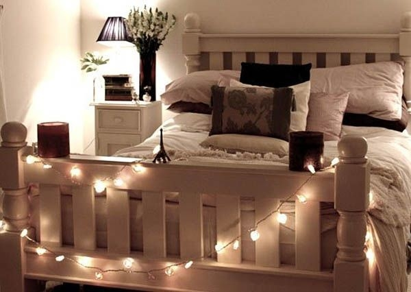 Ways To Use Christmas Light In Your Room 12
